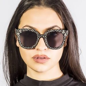 Accessories - ❗️FREE Star studded sunglasses